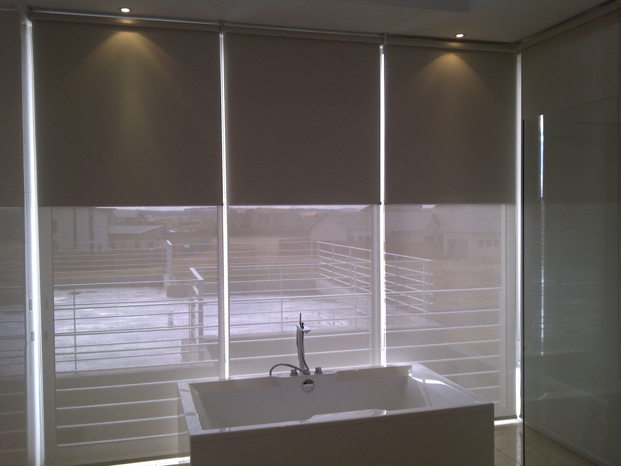 Roller Interior Blinds Sheerweave Technology Light Filtering
