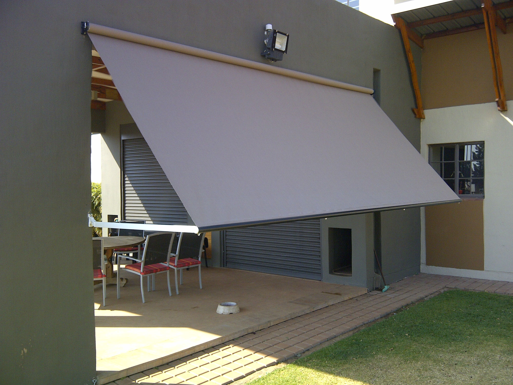 Sunscreen Patio Blinds Drop Arm Blinds Gauteng